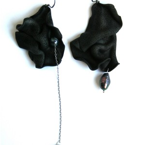 1 acril-earrings