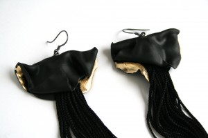 Earrings black fringes gold