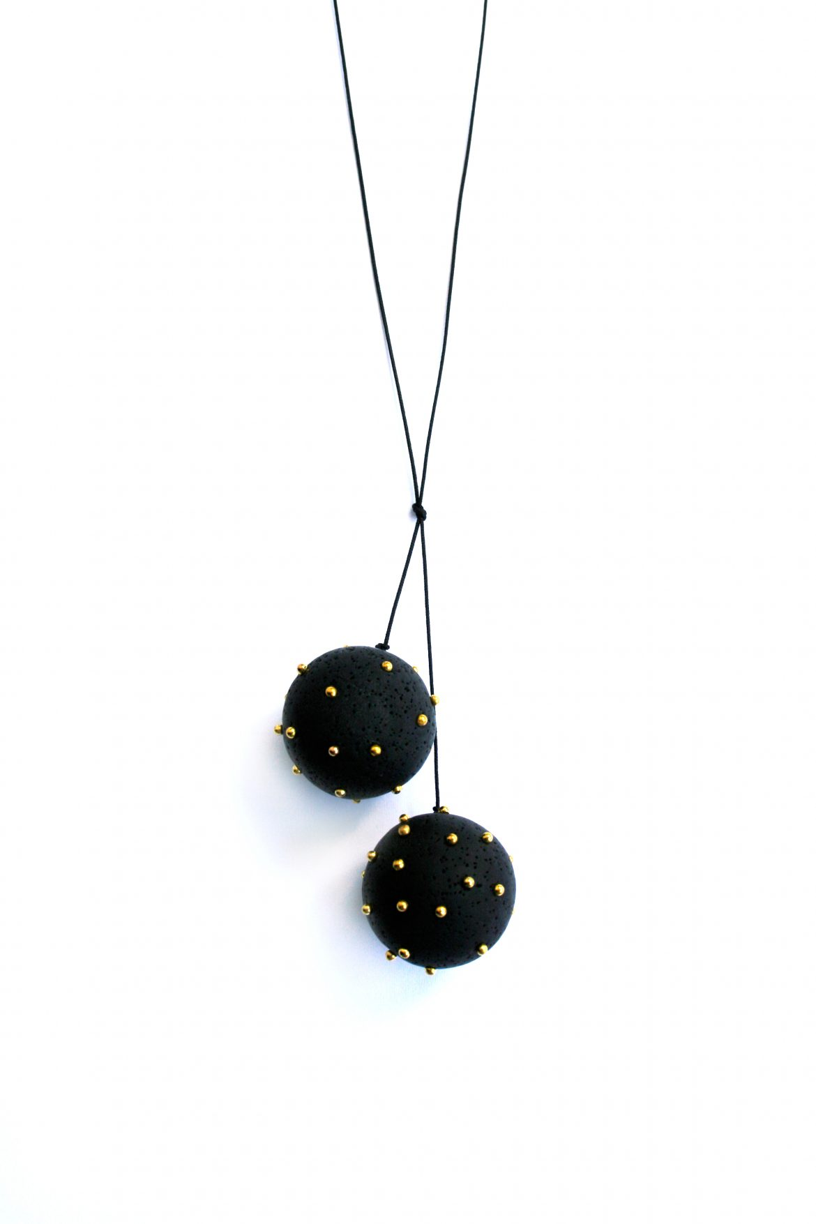 2black-spheres-gold2