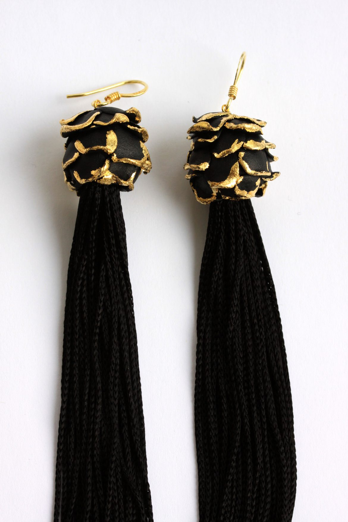 fringes-earrings-detail