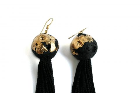fringes-earrings-gold-spheres-detail